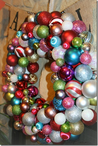 Top 10 Christmas Wreath Ideas - including this ornament wreath! kellyelko.com