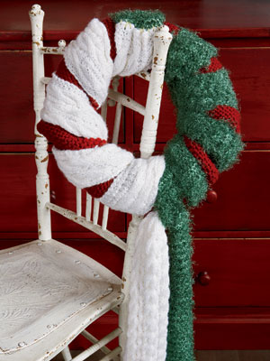 Top 10 Christmas Wreath Ideas - including this scarf wreath! kellyelko.com