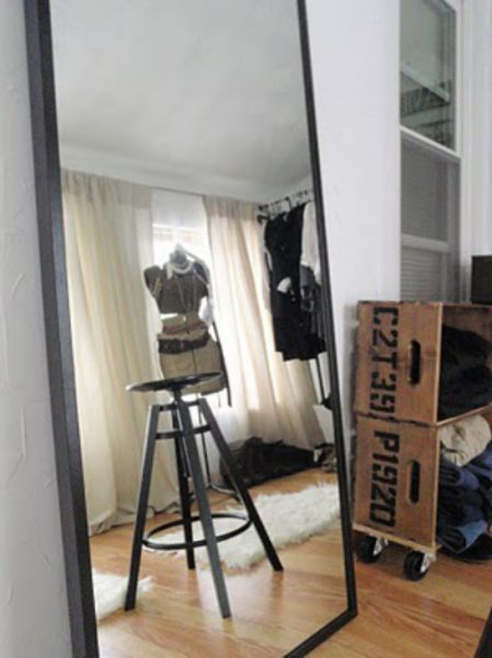 Vintage inspired dressing room with fun DIY ideas for storage kellyelko.com