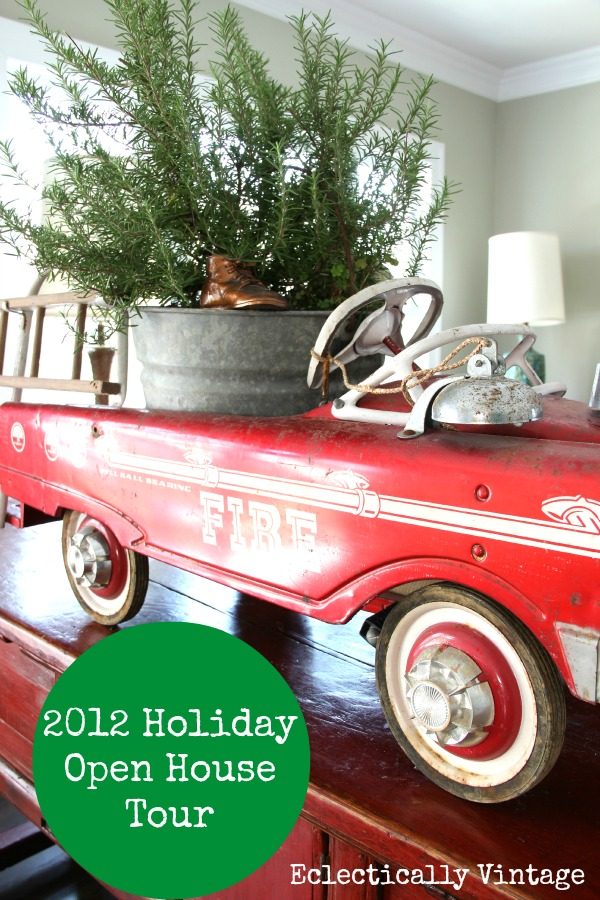 Christmas House Tour - filled with tons of fabulous vintage and DIY unusual decorating ideas!  eclecticallyvintage.com
