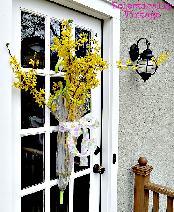 Singing in the Rain Spring Door Wreath kellyelko.com