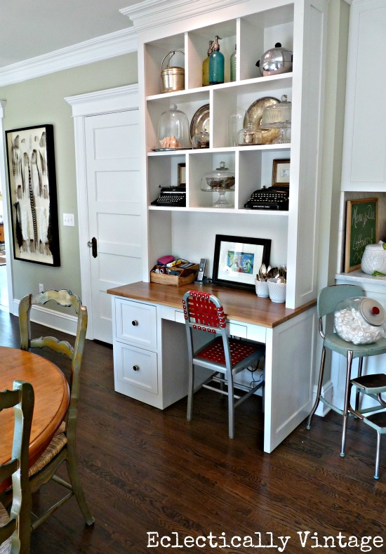Family room and breakfast nook tour - love the built in and the furniture layout eclecticallyvintage.com
