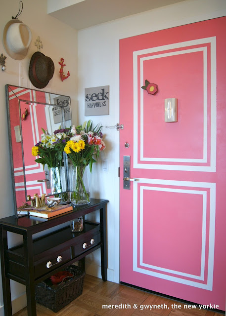 Small space decorating ideas - 470 square foot apartment - with style! kellyelko.com #pink #smallspaces #pinkdoor #apartmentdecor #interiordesign