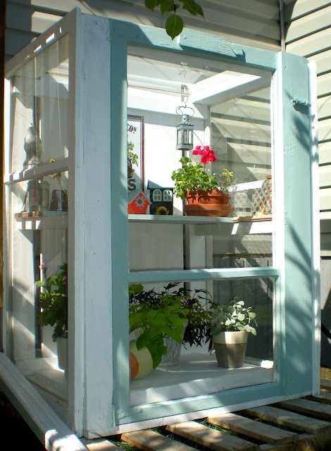 Eclectically Vintage outdoors gardening ideas
