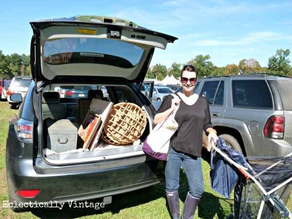 Flea Market Checklist - everything you need for a successful day of thrifting!  kellyelko.com