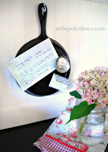 Cast Iron Skillet Memo Board