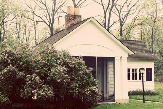 Farmhouse Guest Cottage Tour. It's gorgeous!