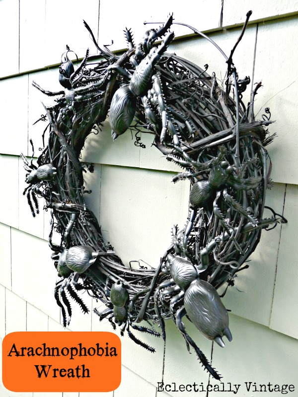 Make a Spooky Spider Wreath - love this for  a front door on Halloween! eclecticallyvintage.com