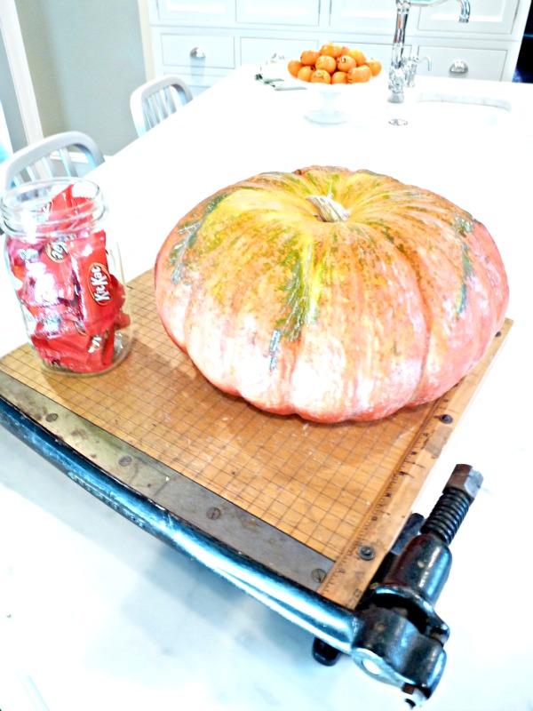 Halloween House Tour - tons of creative #Halloween decorations!  kellyelko.com