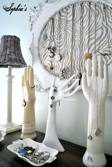 Hand mold jewelry display - get that jewelry out of the drawer