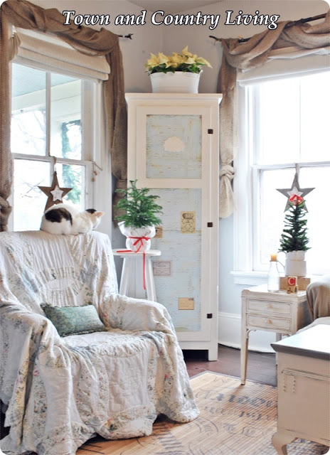Town and Country Christmas House Tour