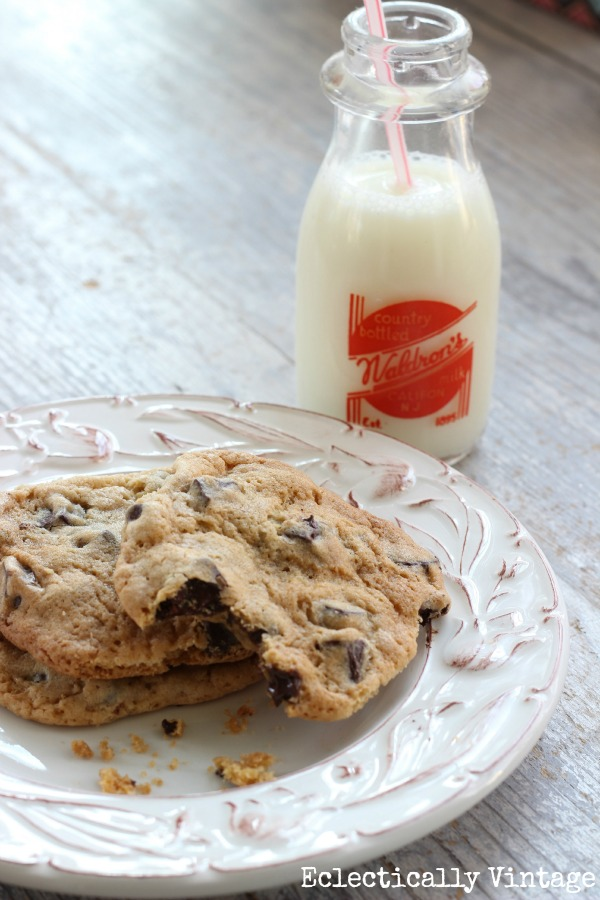 Eclectically Vintage - The Absolute Best Chocolate Chunk Cookies Ever!