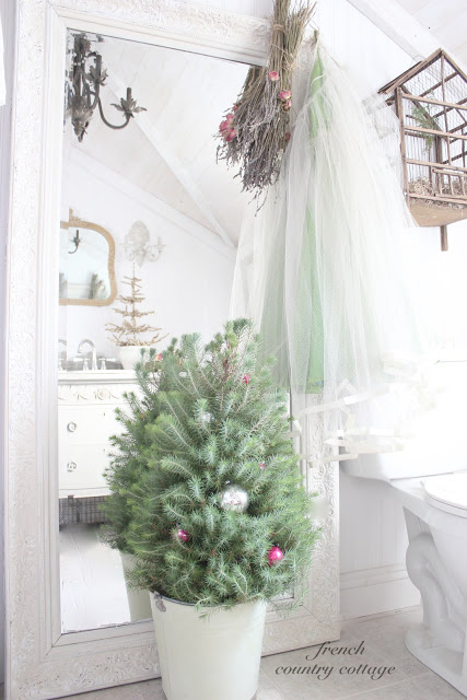 Christmas house tour - even the bathroom is stunning