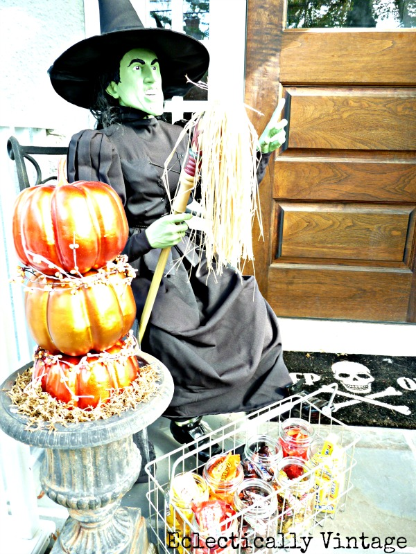 Eclectically Vintage Halloween House Tour - a fun filled tour with great ideas for your party