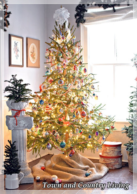 Christmas Home Tour - Town and Country Living blog