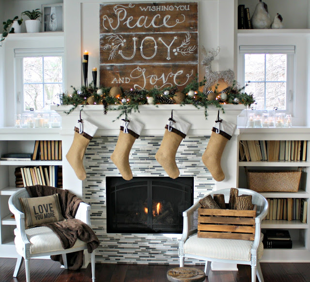 #Christmas House Tours -tons of great DIY ideas like Christmas #mantel!  eclecticallyvintage.com