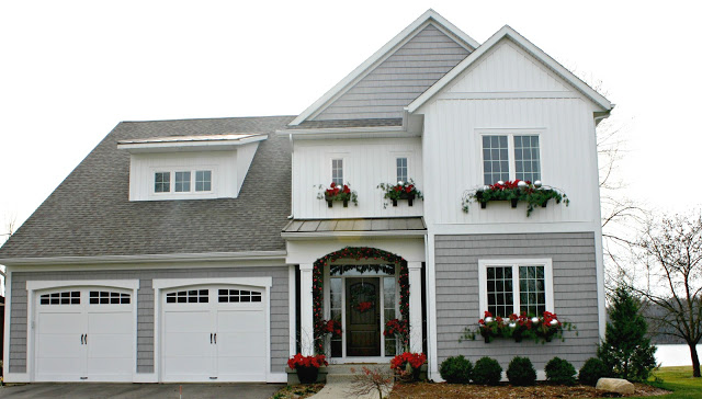 Christmas House Tours - on the lake (tons of great DIY ideas) kellyelko.com