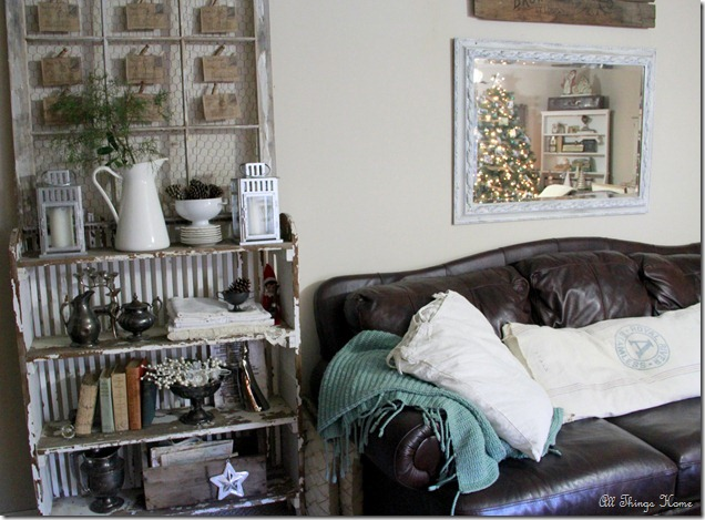 Christmas Family Room - part of a beautiful house tour