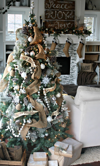 #Christmas House Tours -tons of great DIY ideas like this #burlap #treel!  kellyelko.com