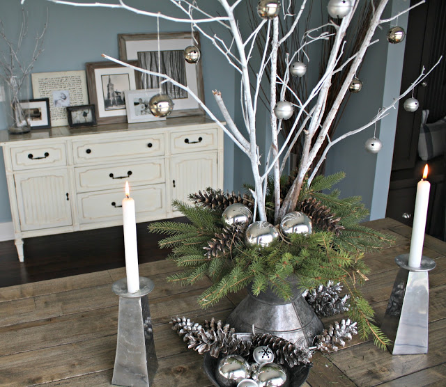 #Christmas House Tours -tons of great DIY ideas like this branch #centerpiece eclecticallyvintage.com
