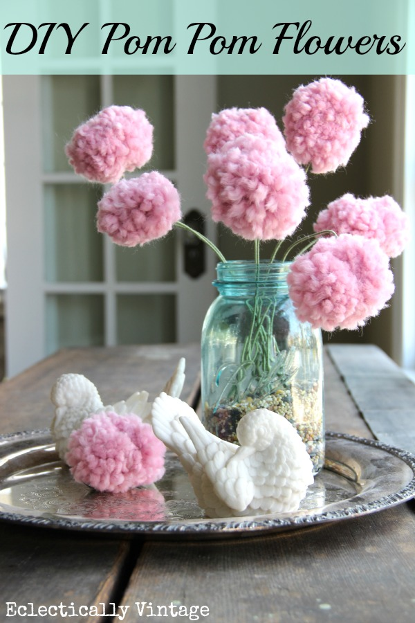 DIY pom poms flowers - with a fork!  kellyelko.com