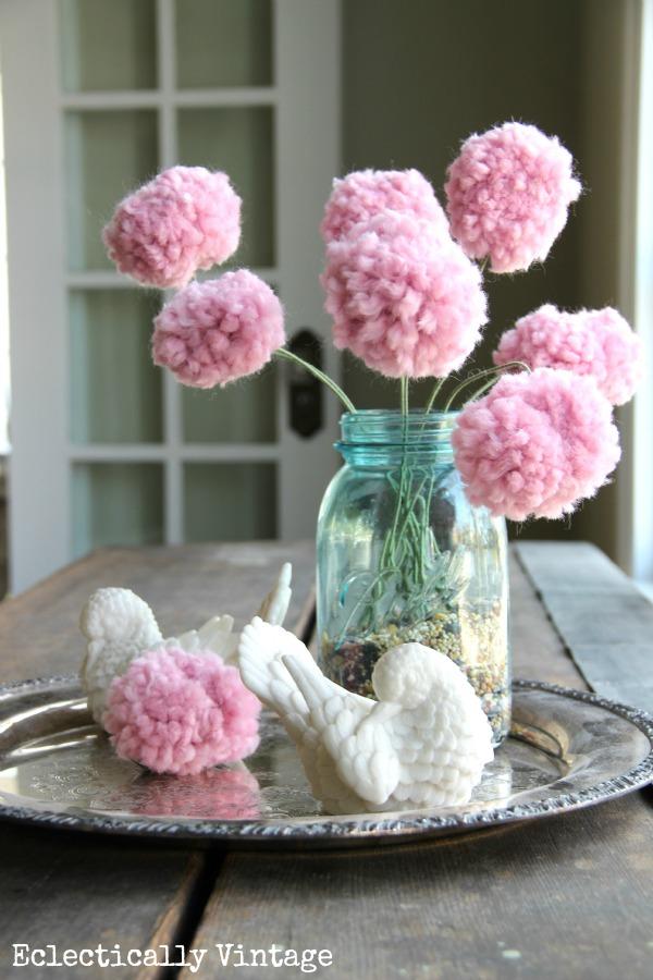 DIY pom pom flowers - with a fork!  kellyelko.com