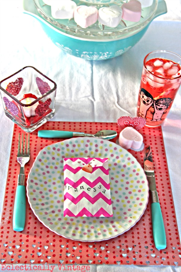 Fun Valentine Party Decorations you can make! eclecticallyvintage.com