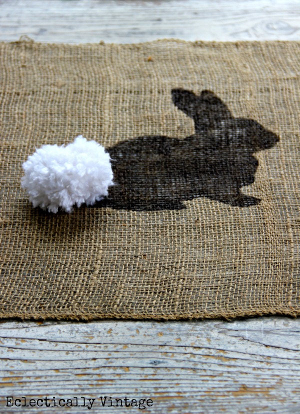 See how to make this burlap bunny table runner - a fun Easter craft! kellyelko.com