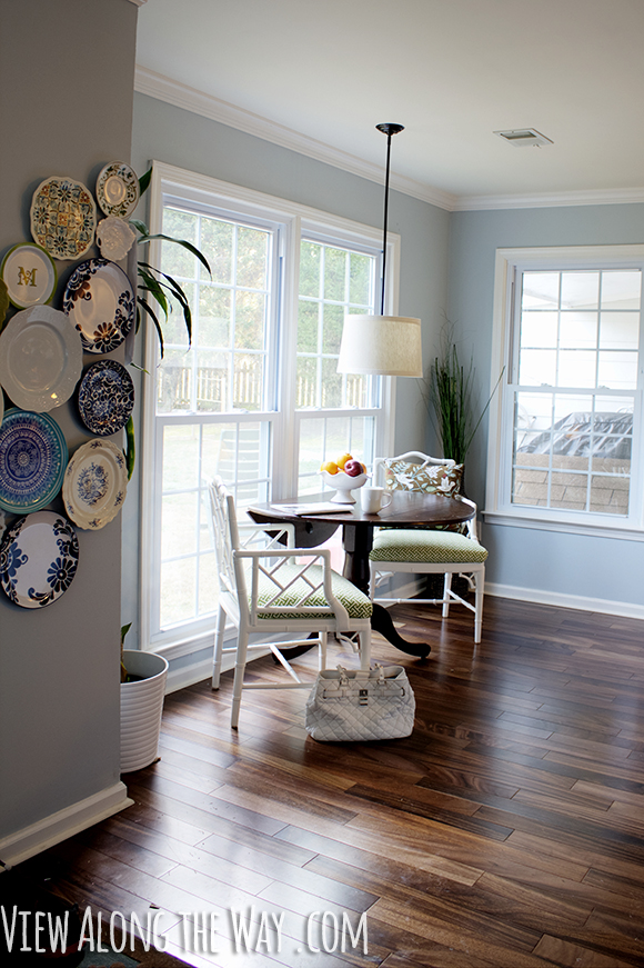 Breakfast nook with DIY wrap around the wall plate wall - plus a great house tour!
