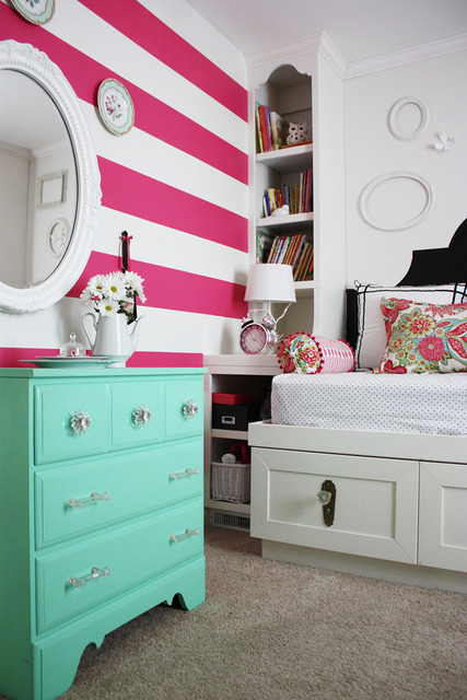 Striped statement wall and a house tour