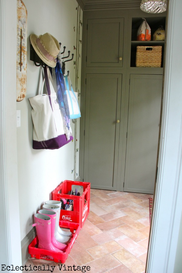 Small mudroom packed with great storage ideas eclecticallyvintage.com