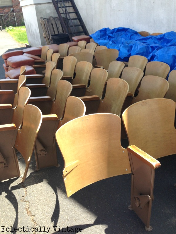 Vintage theatre seats - the Free find that got away!  eclecticallyvintage.com