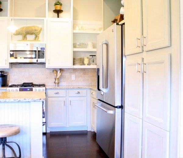 Chalk Paint kitchen cabinets - the no prep wonder paint!