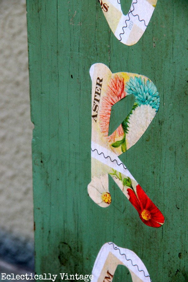 DIY Seed Packet Garden Sign - simple and a great welcome to any garden!  kellyelko.com
