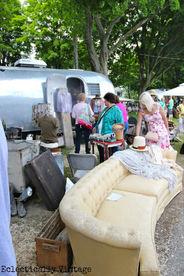 A Day at the Country Living Fair - tons of fabulous pictures!  eclecticallyvintage.com