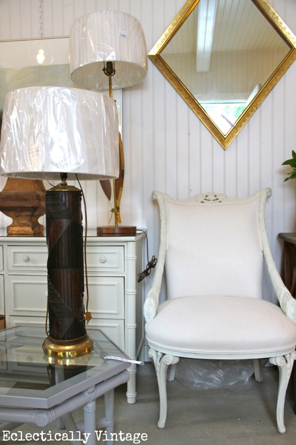 See how to throw a chic garage sale - tons of pics from farmhouse to mid century modern!  kellyelko.com