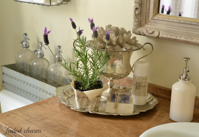 Silver in the bathroom - perfect storage