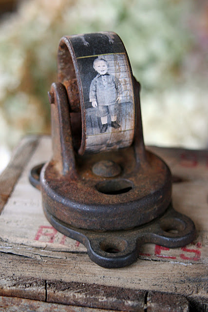 10 Creative Repurposing Ideas - including this caster photo paperweight!