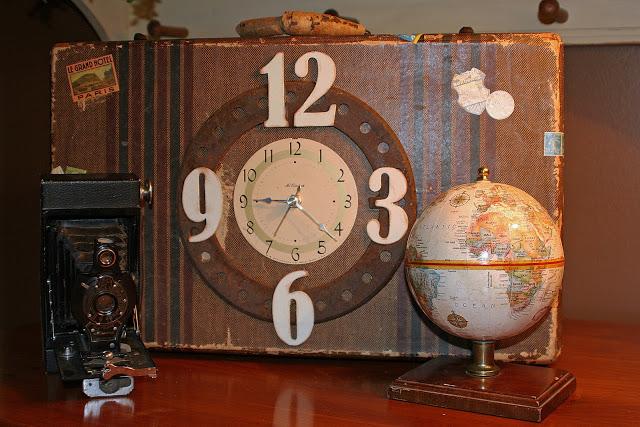 10 Creative Repurposing Ideas - including this vintage suitcase clock!