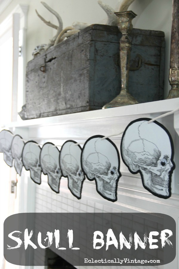 Halloween Banner - with FREE printable.  eclecticallyvintage.com