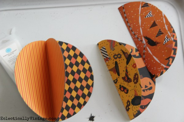 DIY 3D Paper Pumpkin - see how easy they are to make kellyelko.com