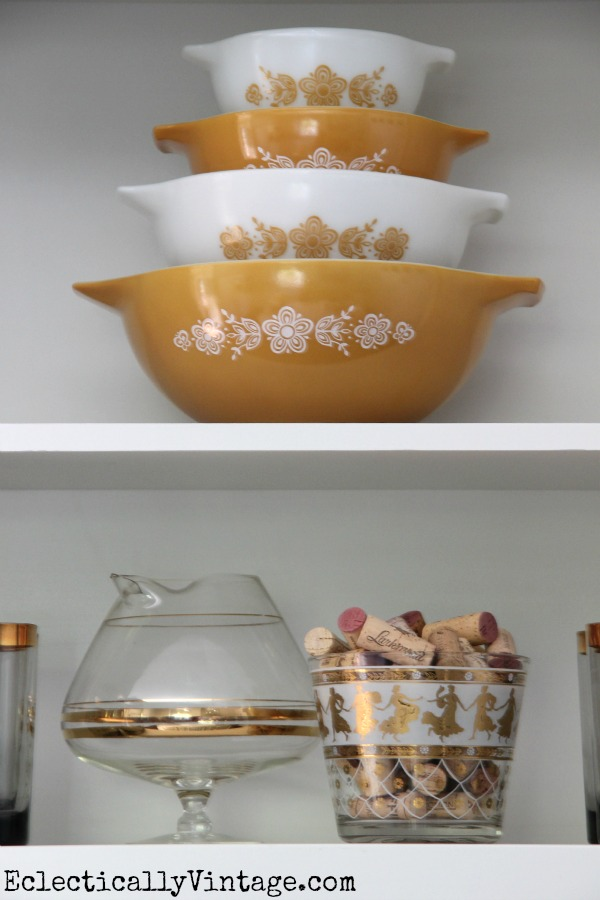 Vintage Pyrex - love the color.  kellyelko.com