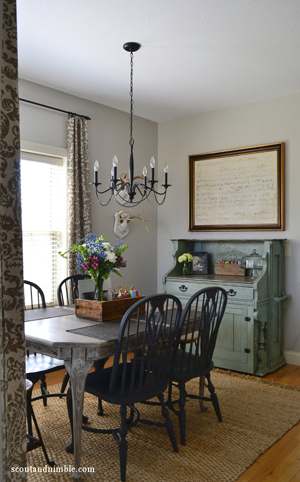 House Tour at Scout and Nimble - love the fun pops of color kellyelko.com