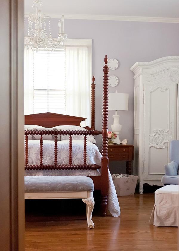 The Decorologist Bedroom - part of a vintage house tour.  kellyelko.com