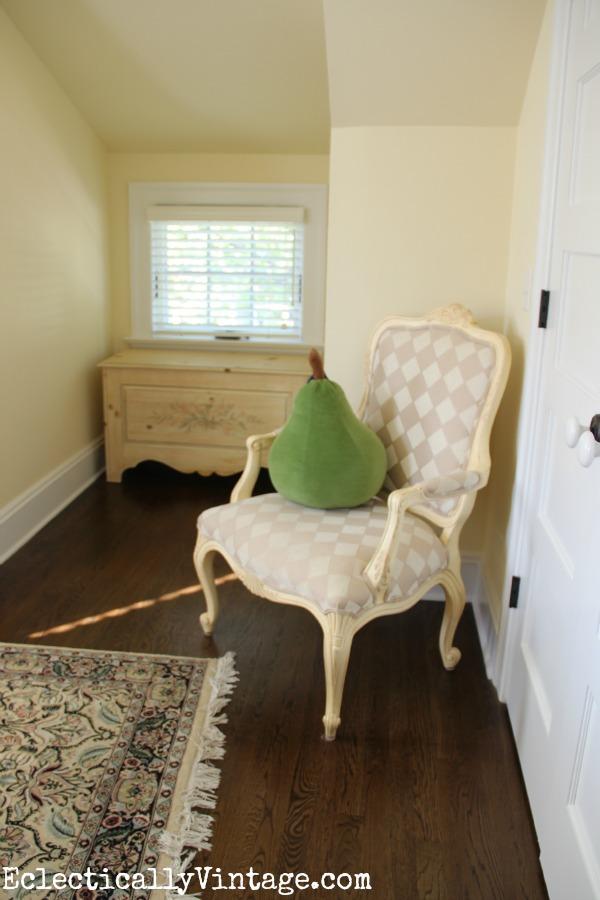 Cozy bedroom kellyelko.com