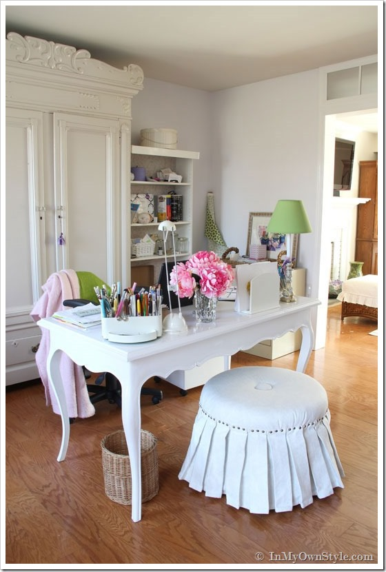 Craft Room Ideas - love the use of space!