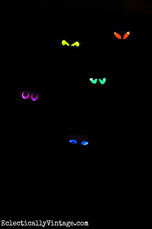 Fun Halloween Craft - make these glow stick eyes! kellyelko.com