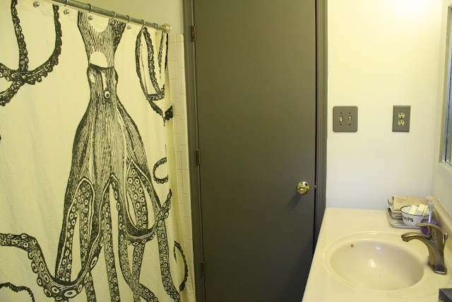 Octopus shower curtain - and love the painted door
