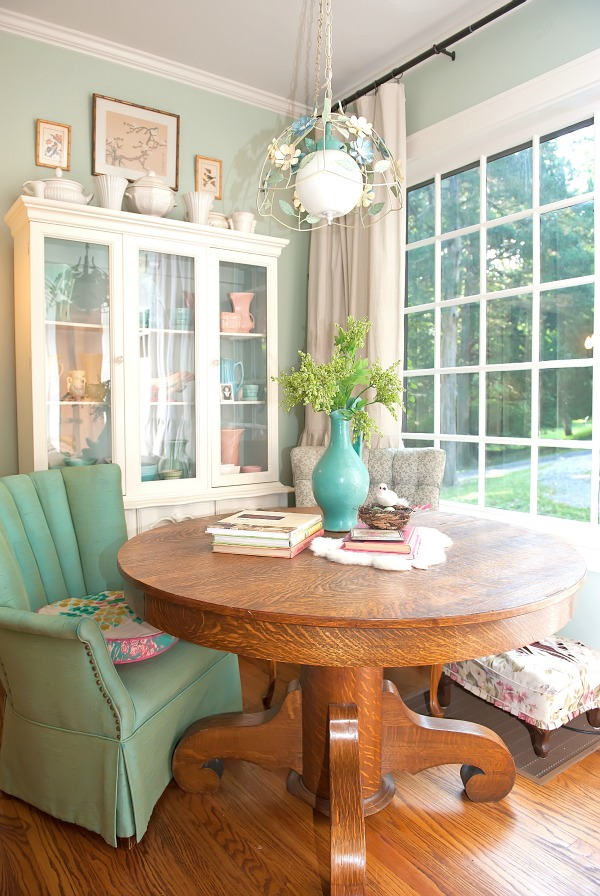 The Decorologist kitchen - part of a colorful house tour! kellyelko.com