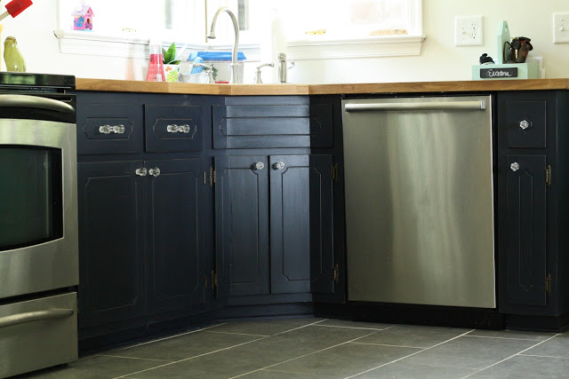 Painted kitchen cabinets - love the bold color